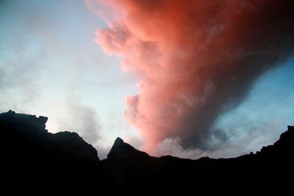 Закат в Исландии - с клубами вулканического пепла / Фото из Исландии