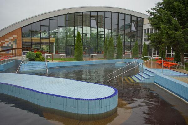 Бассейн с термальной водой в отеле Hunguest Beke, Хайдусобосло / Фото из Венгрии