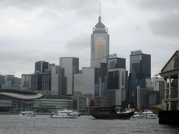 Вид на небоскребы Гонконга с парома / Фото из Гонконга