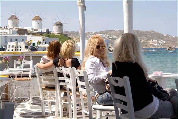 Миконос известен как место отдыха знаменитостей и элиты / Фото из Греции