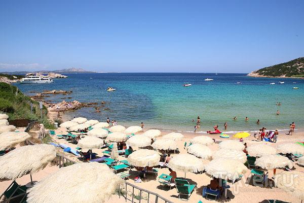 Великолепный пляж в Байя-Сардиния / Фото из Италии