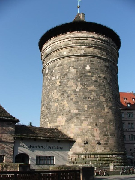 Башня XV века у городских ворот Фрауэнтор, Нюрнберг / Фото из Германии