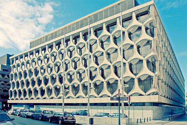 Современное здание в Брюсселе / Фото из Бельгии