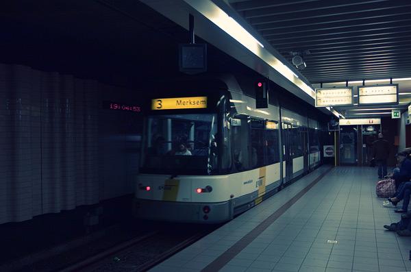 Метро-трамвай в Антверпене / Фото из Бельгии