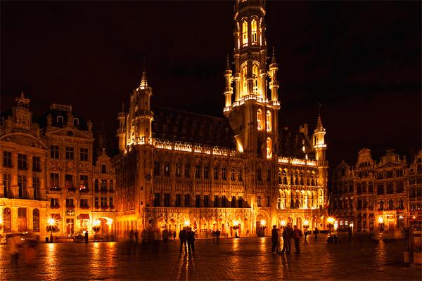 Брюссель ночью / Фото из Бельгии