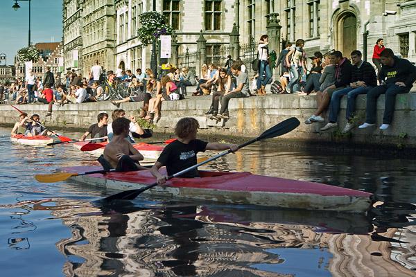 Лодки на каналах в Генте / Фото из Бельгии