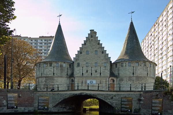 Старинное здание в Генте / Фото из Бельгии