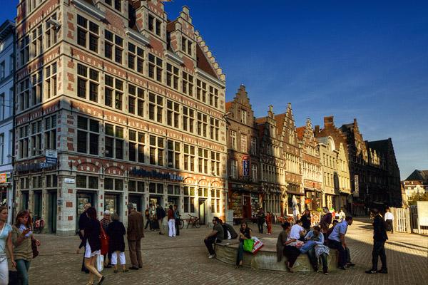 Типичная улица в Генте / Фото из Бельгии