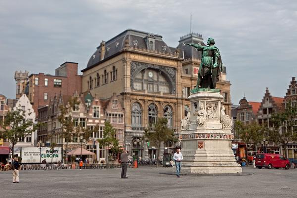 Статуя Якоба ван Артевелде / Фото из Бельгии