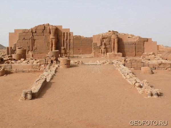 Северо-восточный храм с «колоссами», Мусавварат-эс-Софра / Фото из Судана