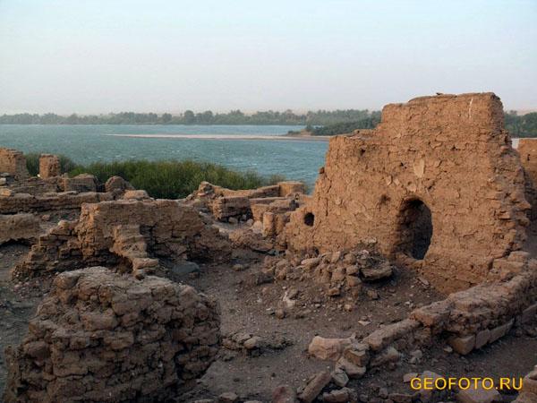 Руины на нильском острове Саи / Фото из Судана