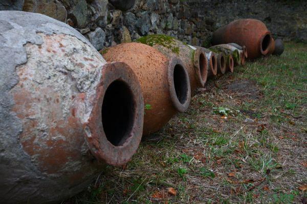 Кувшины для вина в Икалто, Грузия / Фото из Грузии