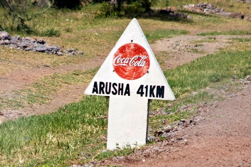 Указатель на Арушу, Танзания / Фото из Танзании
