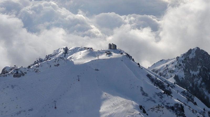 """Вид с пика Аи на область катания и ресторан """"Куклос"""" / Фото из Швейцарии"""