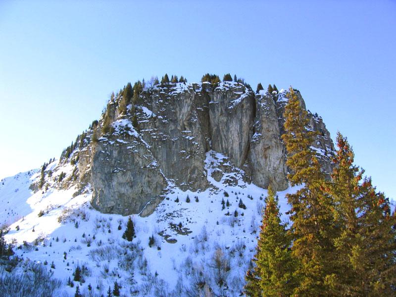 Скалы массива Ле-Мазо / Фото из Швейцарии