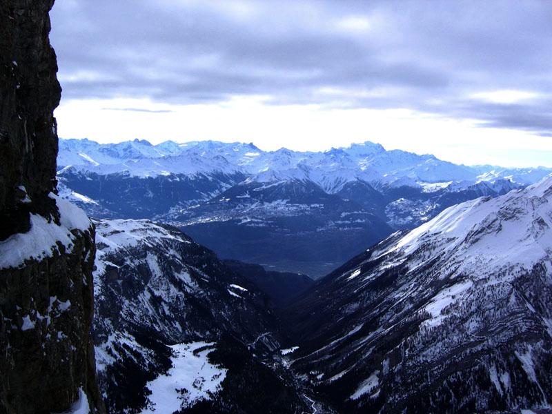 Вид на Тур-Сен-Мартен и долину Песо / Фото из Швейцарии