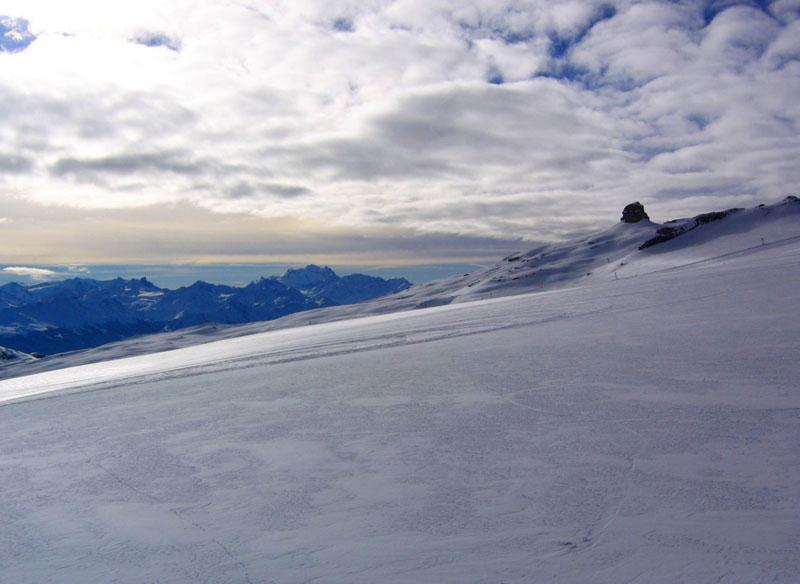 Вид на ледник Тсанфлёрон и пик Тур-Сен-Мартен с трассы Дьяблере / Фото из Швейцарии