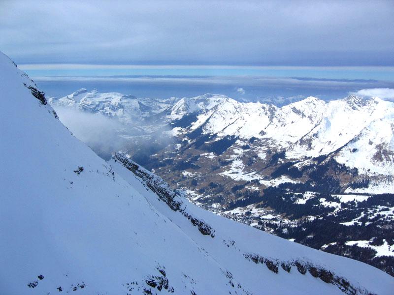 Вид с подъемника 6G на долину Дар / Фото из Швейцарии
