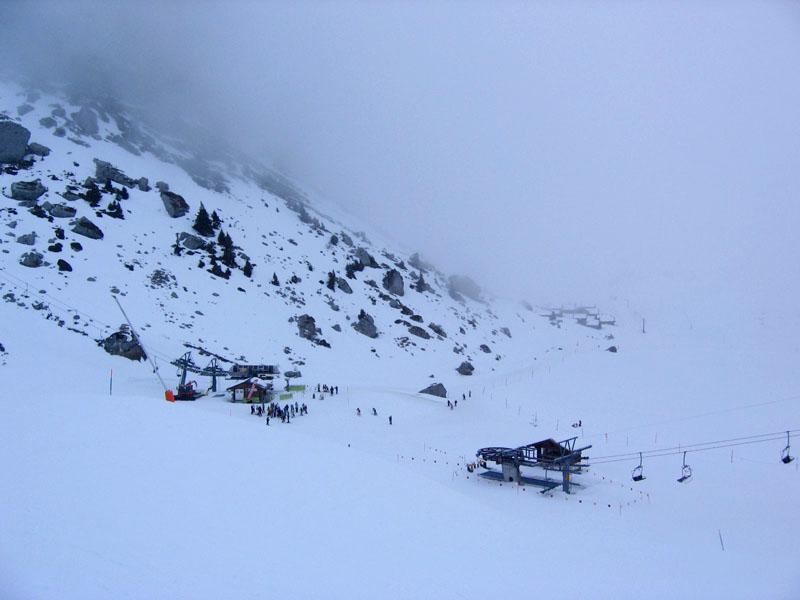 Нижний узел трасс у озера Аи и выкат к подъемнику Майен / Фото из Швейцарии