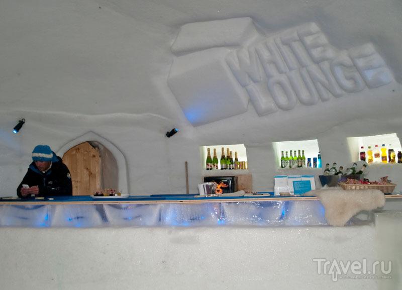 Барная стойка в White Lounge / Фото из Австрии