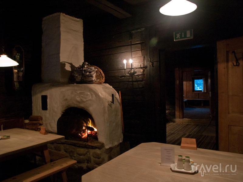 Внутри ресторана Wirtshaus zum Griena, Майрхофен / Фото из Австрии
