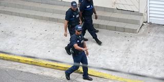 Полиция / Суринам