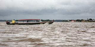 Типичный переход границы / Суринам