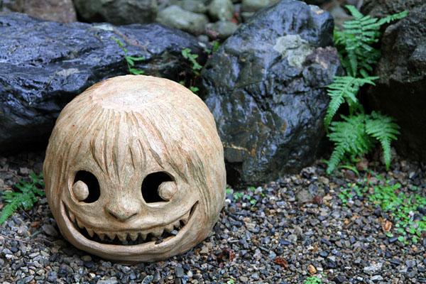 В саду музея Мидзуки Сигэру / Фото из Японии