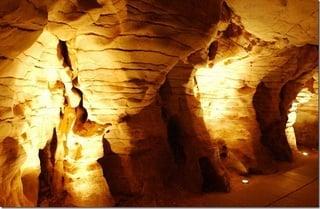 В пещере / Новая Зеландия