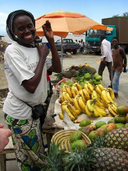 Торговка фруктами в Бурунди / Фото из Конго (бывш. Заир)