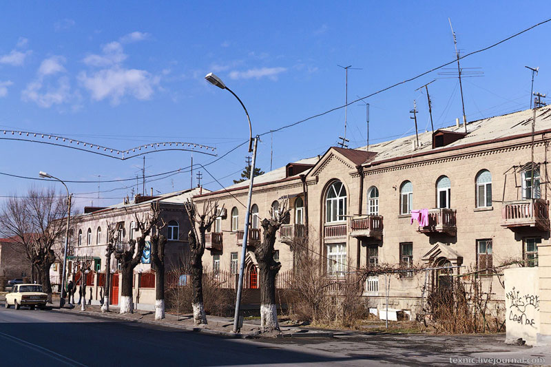 Дома в Эчмиадзине / Фото из Армении