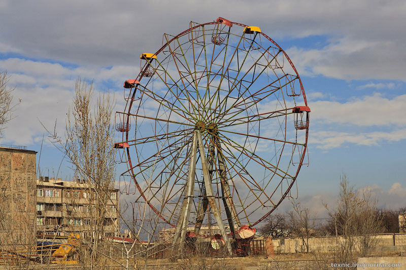 Колесо обозрения в Вагаршапате / Фото из Армении