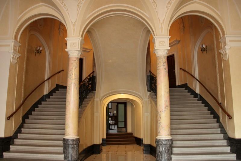 Лестница в отеле George во Львове / Фото с Украины