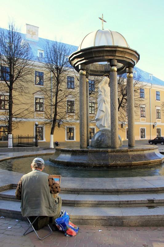 Монумент в Ивано-Франковске / Фото с Украины