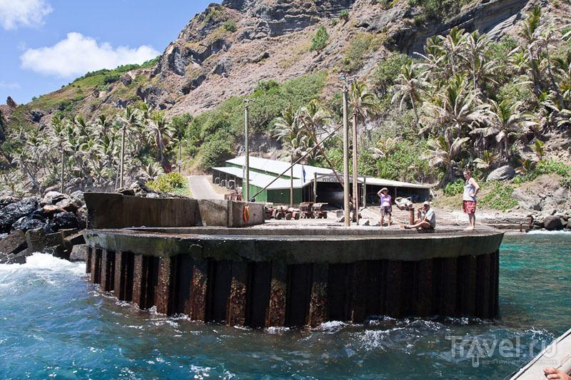 У подножия Hill Of Difficulty на острове Питкэрн / Фото с Питкэрна