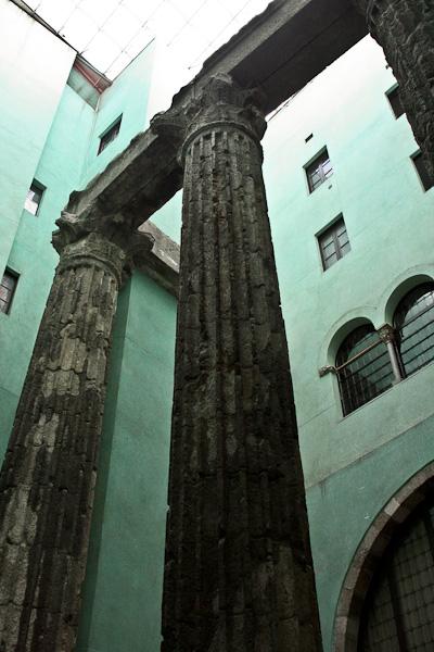 римские колонны / Испания