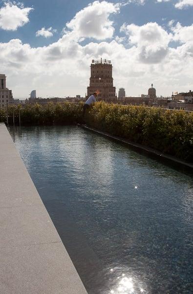 бассейн на крыше Мандарин Ориентал / Испания