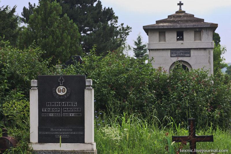 Надгробия в Заечаре, Сербия / Фото из Сербии