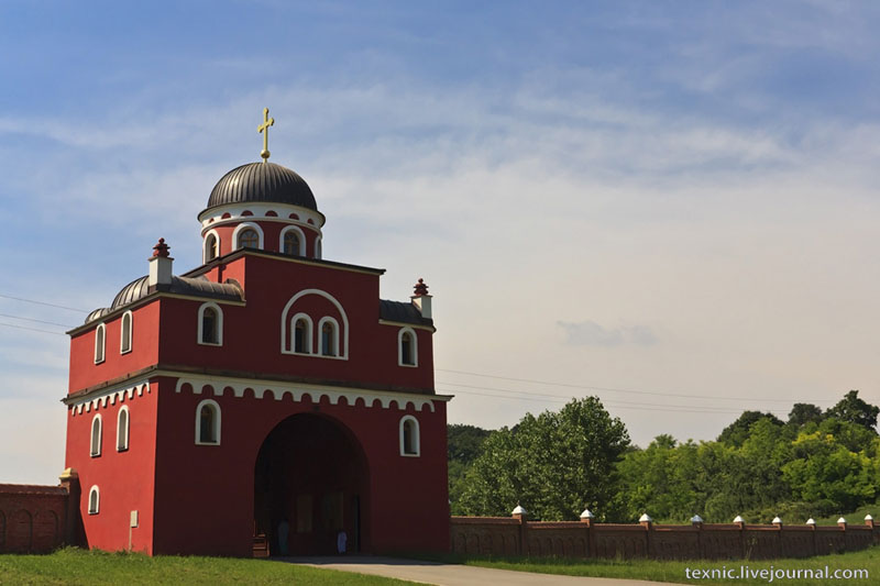 Монастырь Крушедол в Сербии / Фото из Сербии