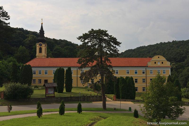 Монастырь Нови-Хопово в Сербии / Фото из Сербии