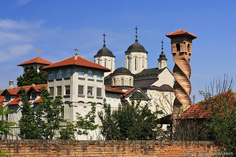 Монастырь Ковиль в Сербии / Фото из Сербии