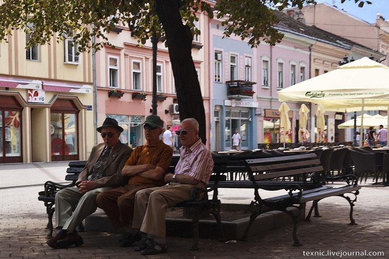 Пожилые жители города Нови-Сад, Сербия / Фото из Сербии