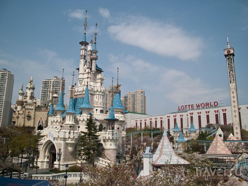 Lotte World - парк развлечений в Сеуле / Фото из Южной Кореи