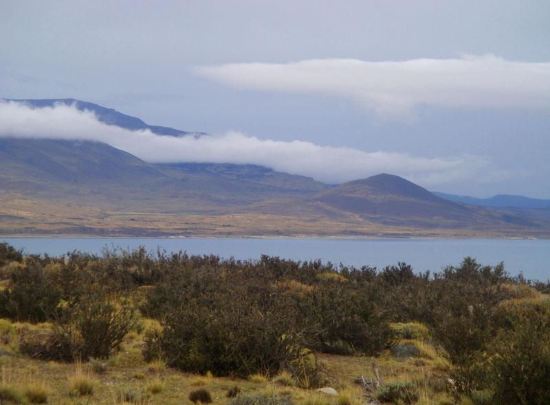 Озеро Сармьенто в национальном парке Торрес-дель-Паине, Чили / Фото из Чили