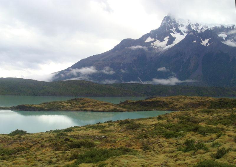 Синее озеро в национальном парке Торрес-дель-Паине, Чили / Фото из Чили