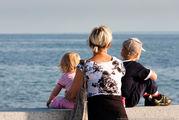 много семей с 2-3мя детьми / Швеция
