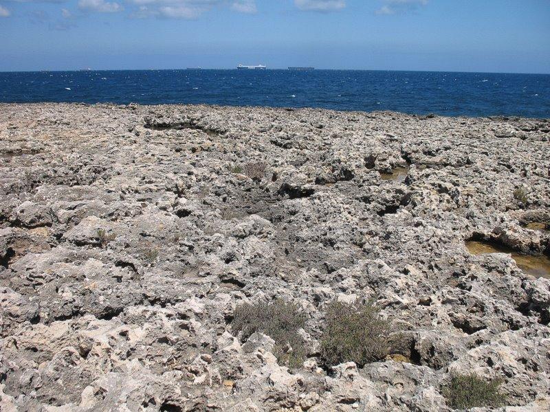 Берег в районе курортов Аура и Буджиба / Фото с Мальты