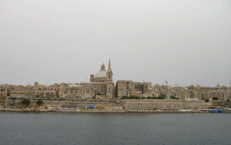 Вид на Валетту: собор капуцинов и колокольня собора Святого Павла / Фото с Мальты