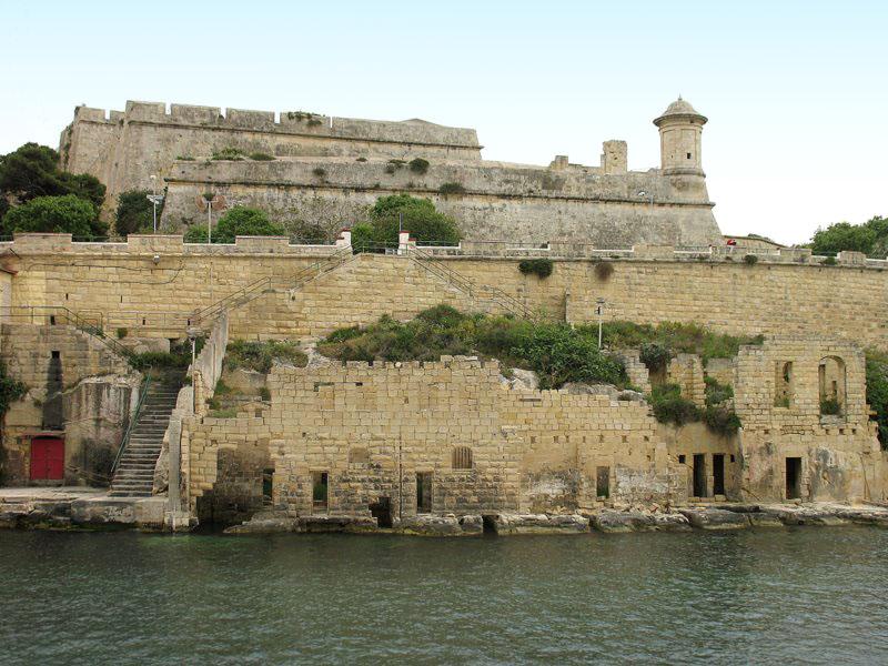 Один из многочисленных фортов Мальты / Фото с Мальты