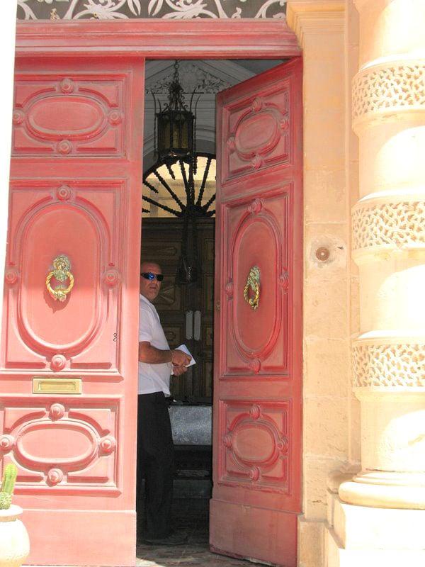 Вход в мальтийский небедный дом в Мдине / Фото с Мальты
